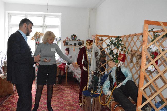 """Глава администрации города Бахчисарая посетил МБОУ """"Гимназия"""""""